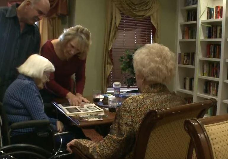Las ancianas celebrando su cumpleaños. Fuente: YouTube / 9NEWS