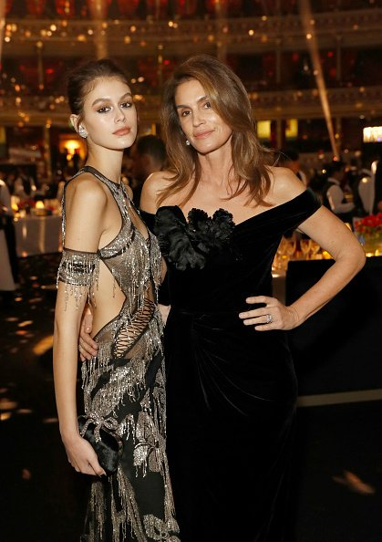 Cindy Crawford and Kaia Gerber at Royal Albert Hall on December 10, 2018 in London, England.   Photo: Getty Images