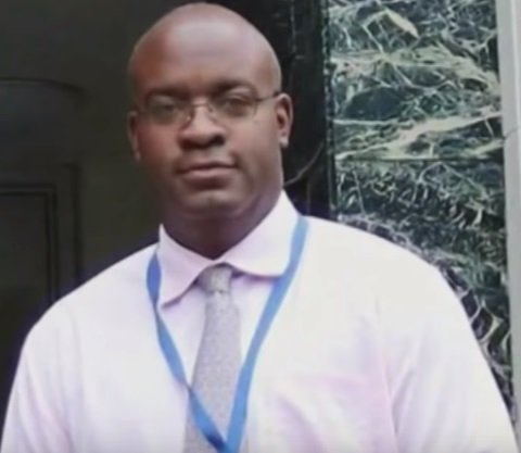 Dr. Derrick Nelson, army veteran and principal who died as a hero by donating his bone marrow  Photo: YouTube/ Inside Edition.