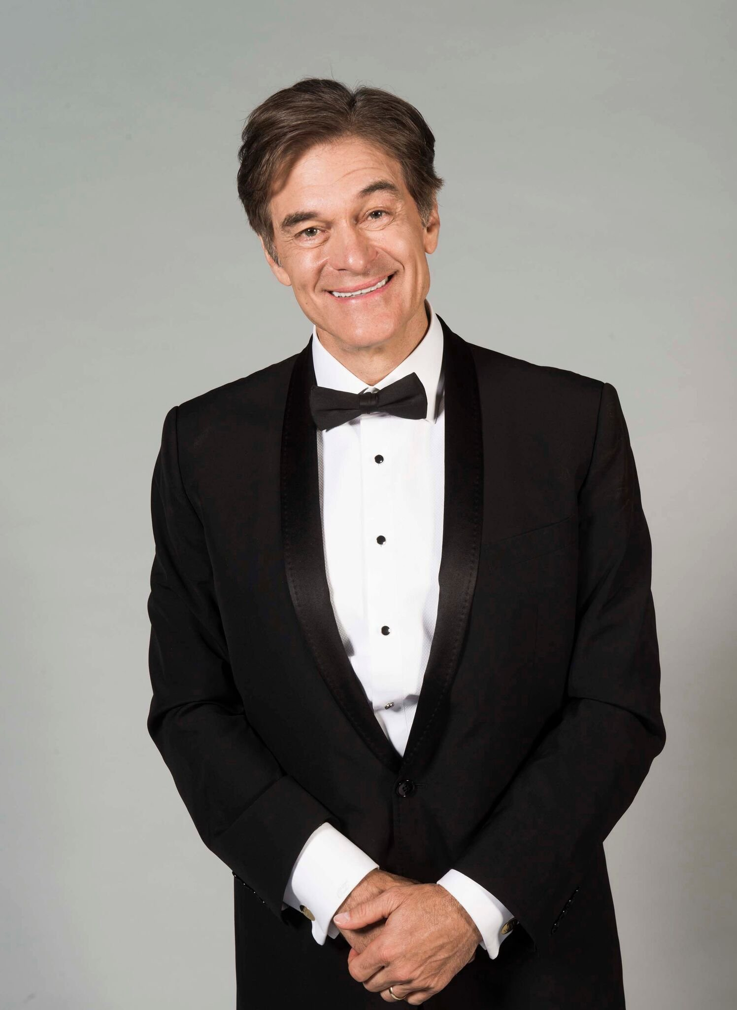 Dr. Oz poses for portrait at 45th Daytime Emmy Awards - Portraits by The Artists Project Sponsored by the Visual Snow Initiative | Getty Images / Global Images Ukraine