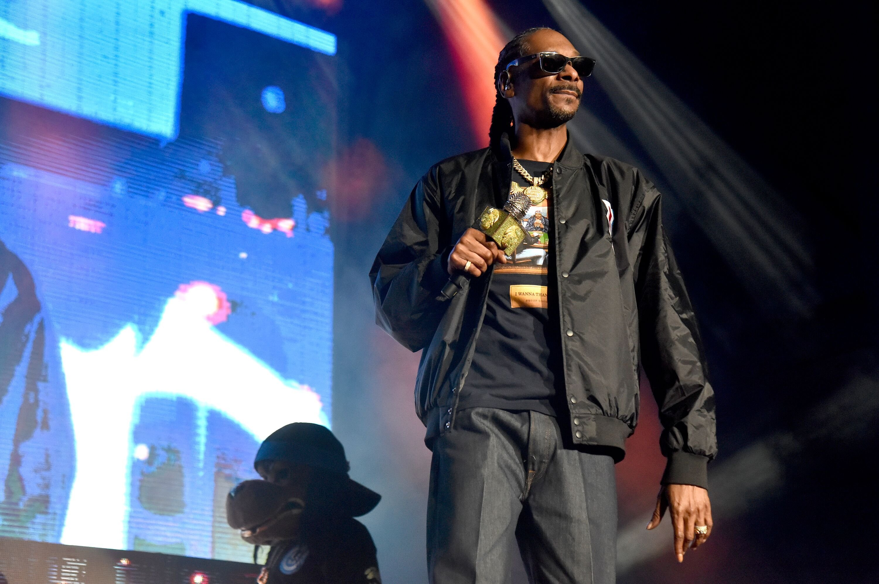 Snoop Dogg performing onstage | Source: Getty Images/GlobalImagesUkraine