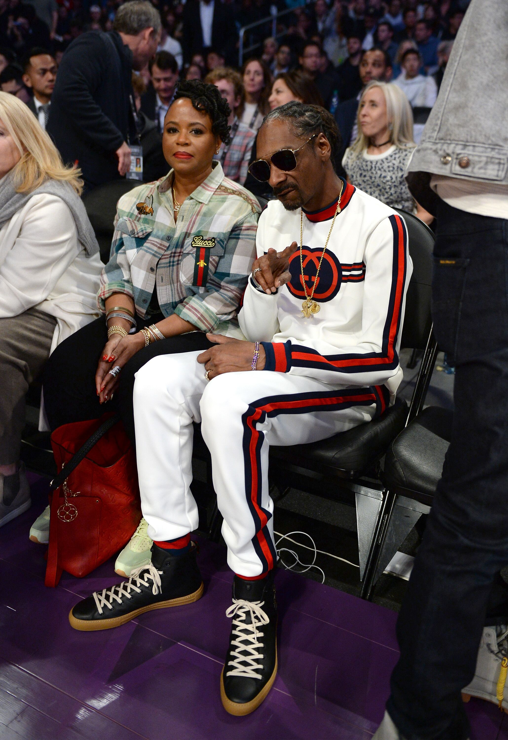 Snoop Dogg and Shante Broadus enjoying an NBA game | Source: Getty Images/GlobalImagesUkraine