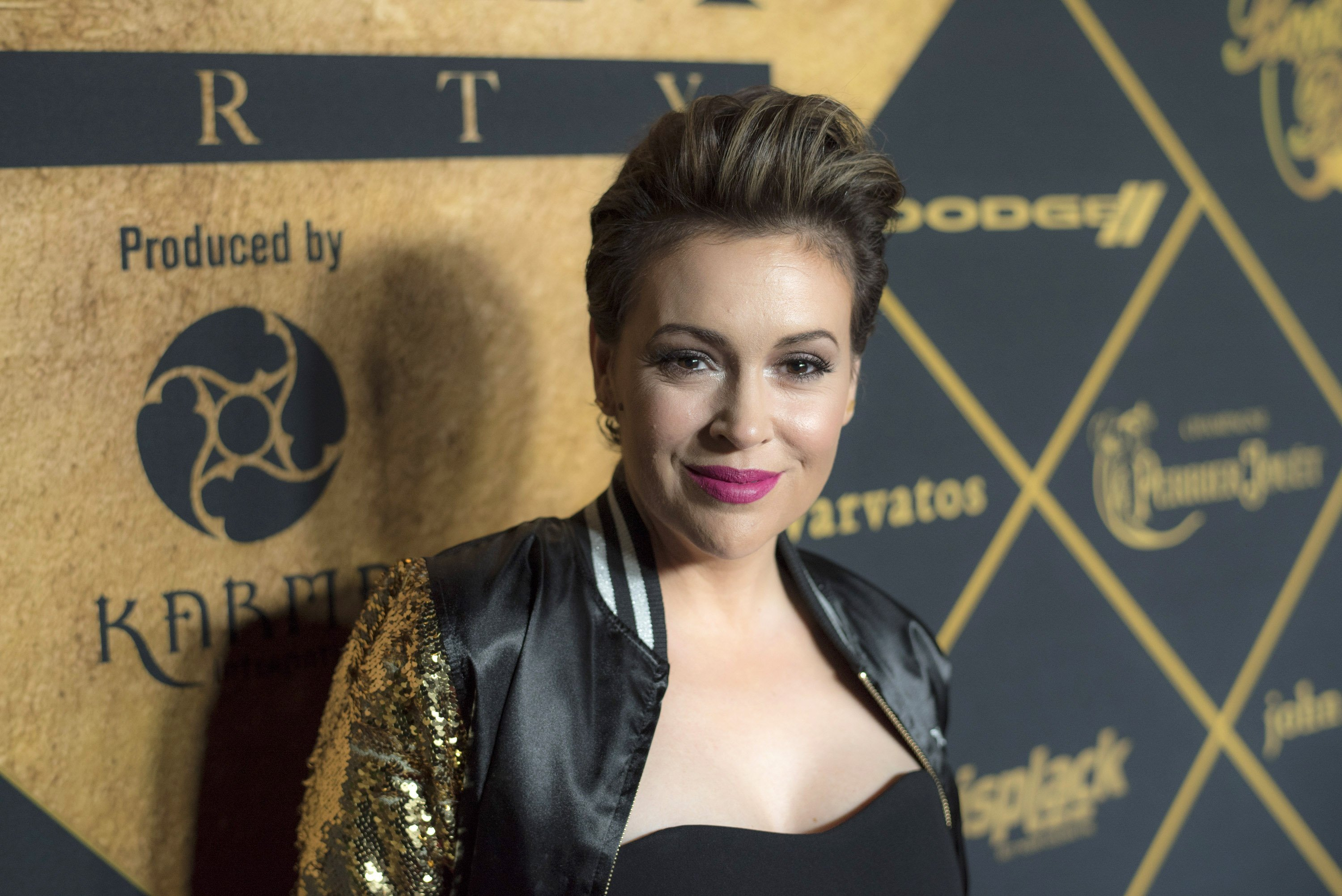 Alyssa Milano attends The 2016 Maxim Party With Bootsy Bellows at Treasure Island on February 6, 2016 | Photo: GettyImages
