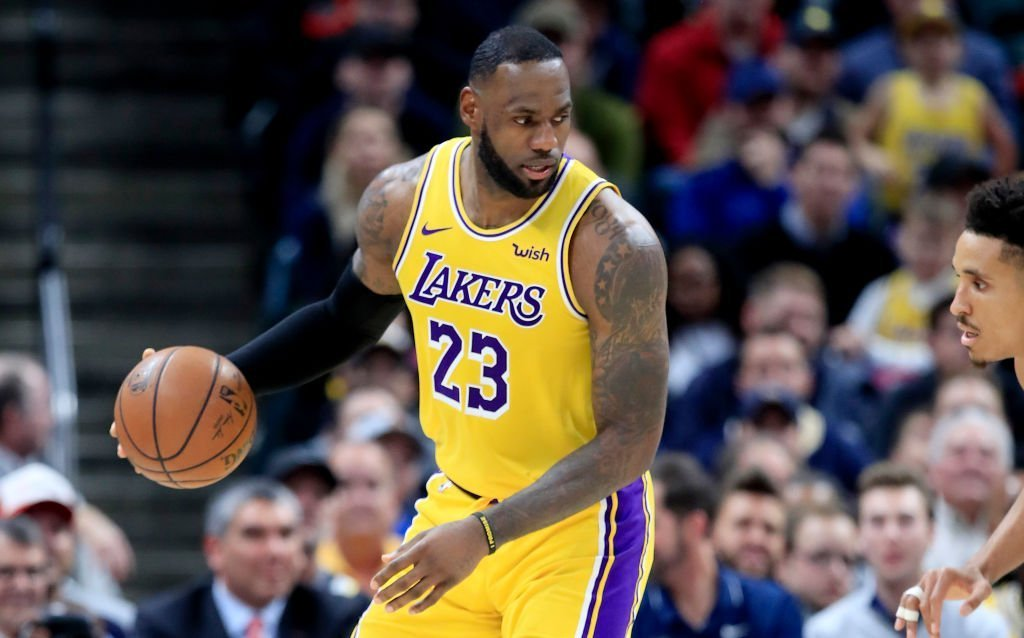LeBron James #23 of the Los Angeles Lakers during the game against the Indiana Pacers at Bankers Life Fieldhouse | Photo: Getty Images