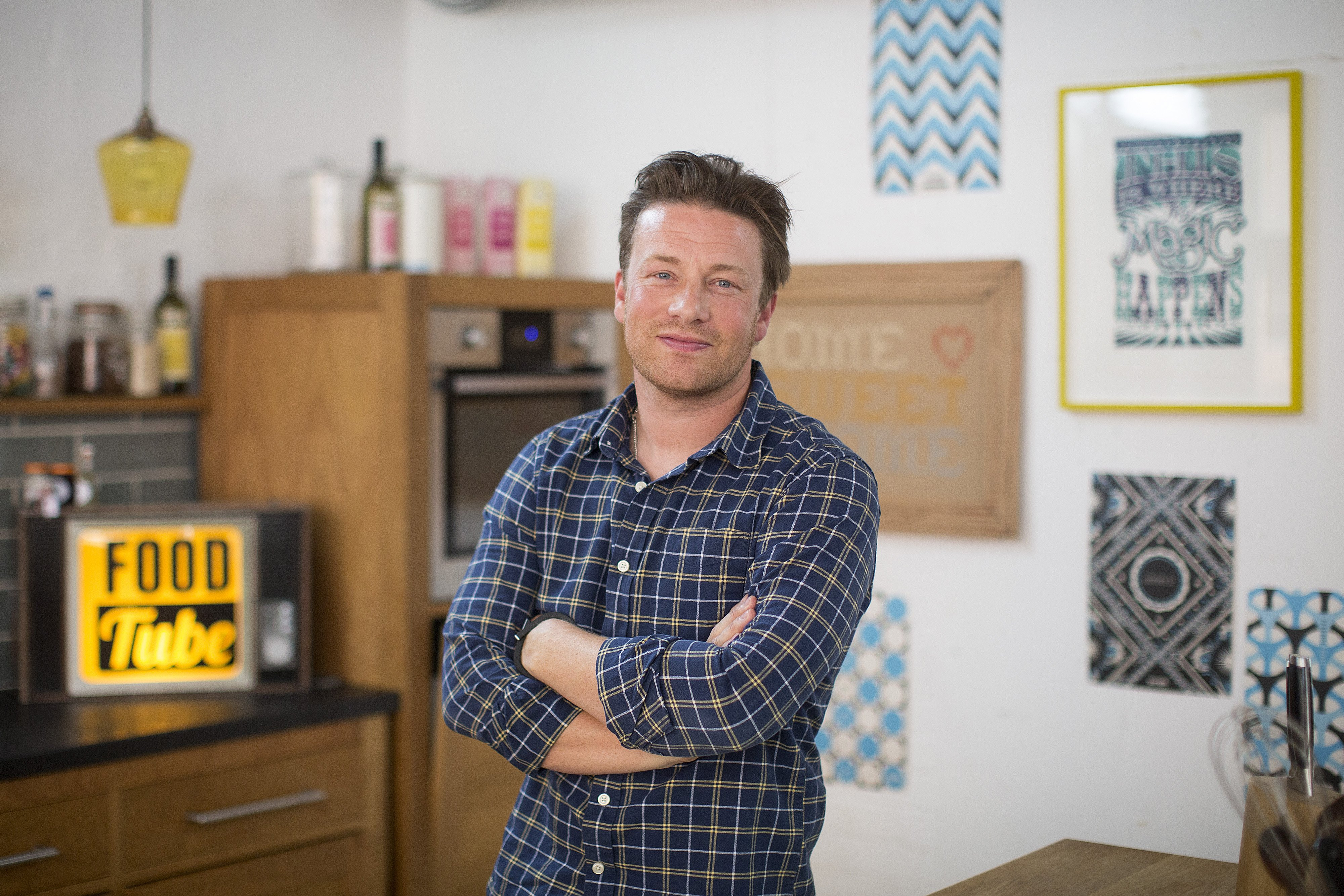 Jamie Oliver pictured after an interview in his office in 2014, London, England. | Photo: Getty Images