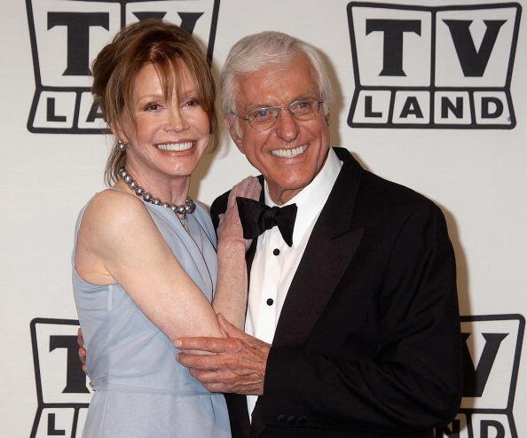 Mary Tyler Moore and Dick Van Dyke | Photo:Getty Images