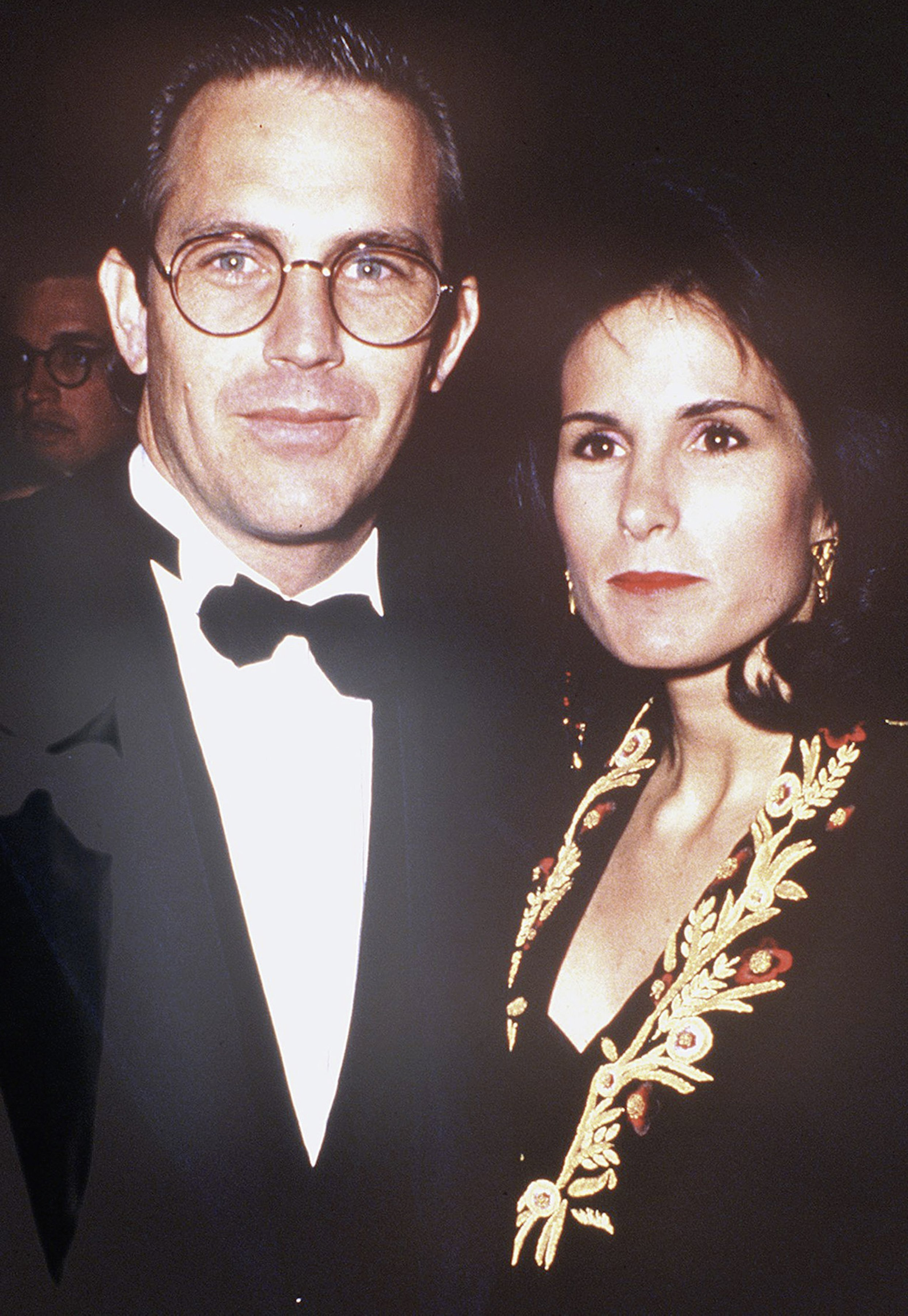 Cindy Costner and Kevin Costner at the 'Dances With Wolves' Los Angeles Premiere, November 1990 | Photo: GettyImages