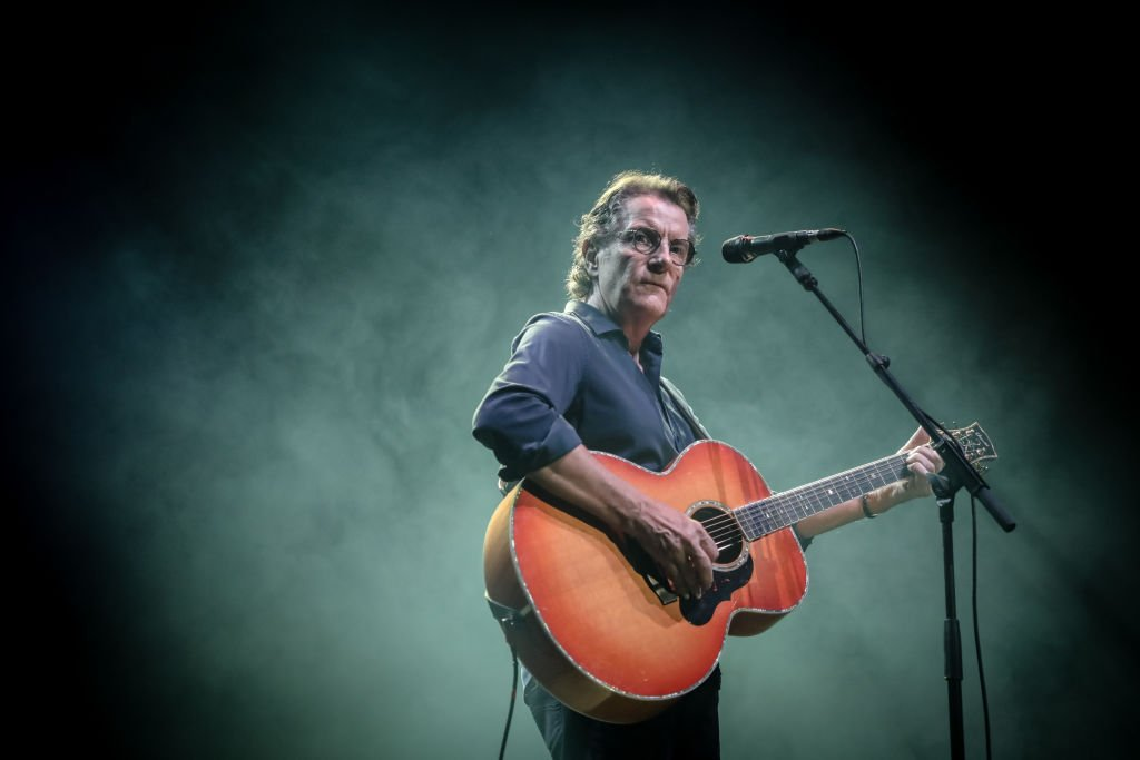Francis Cabrel effectue au Royal Albert Hall le 16 octobre 2018 à Londres, Royaume-Uni. | Photo : Getty Images