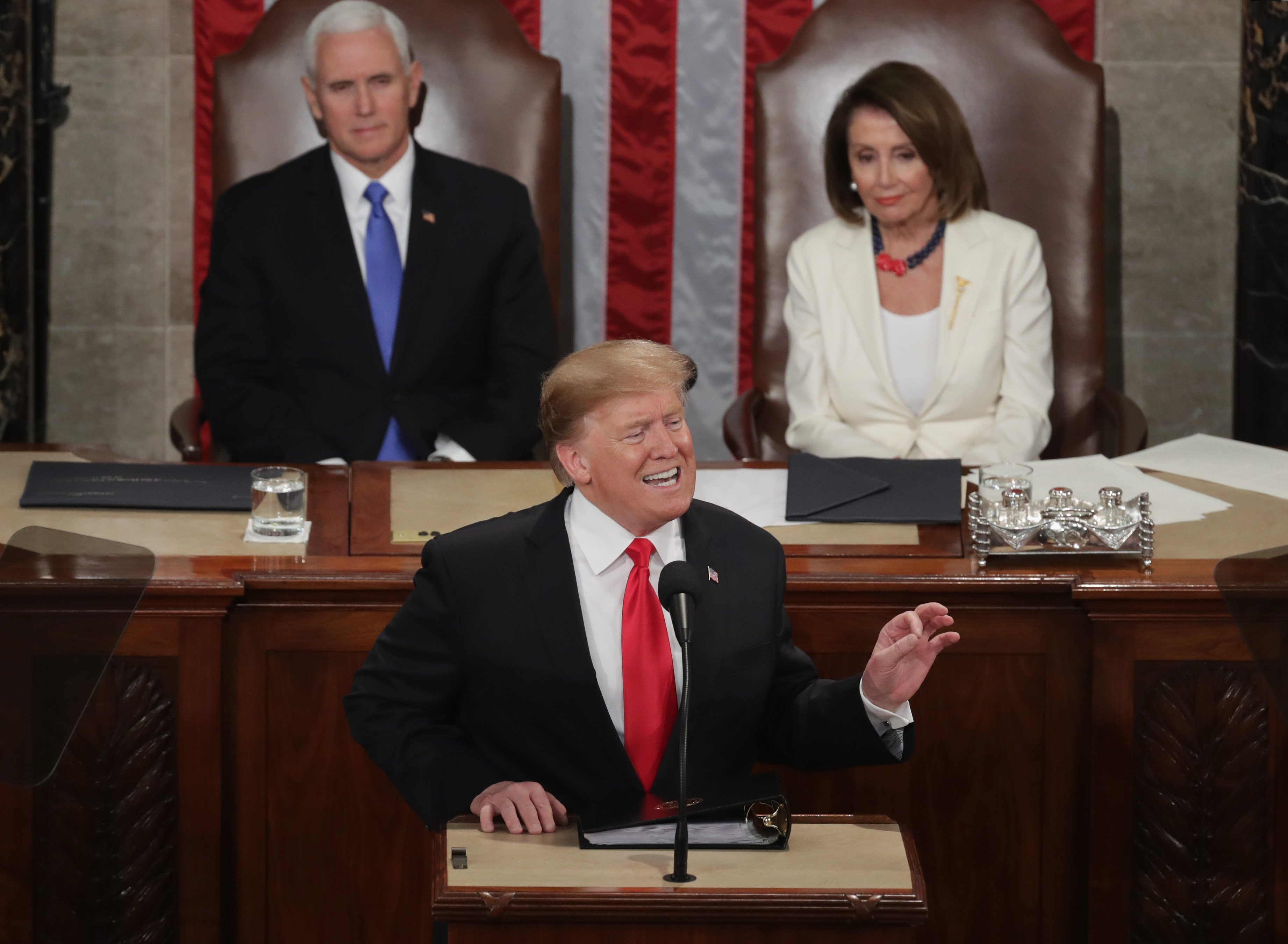 Donald Trump con Mike Pence y Nancy Pelosi | Imagen tomada de: Getty