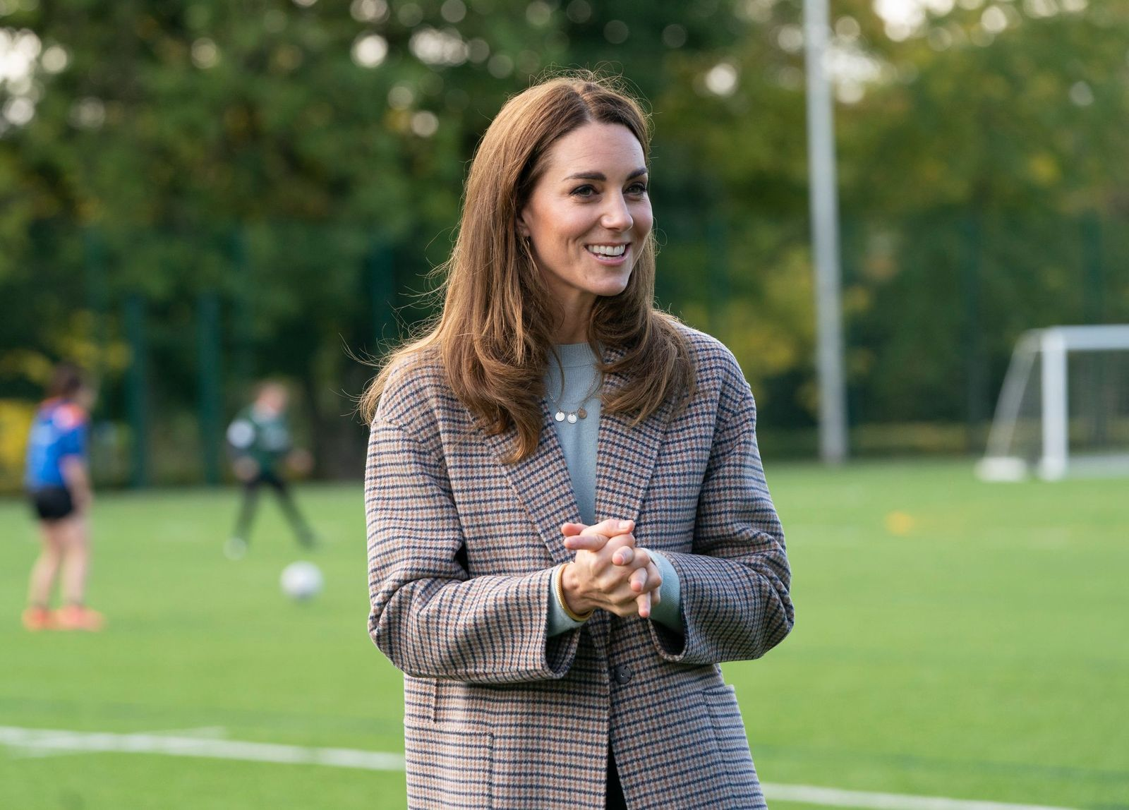 Catherine, Duchess of Cambridge at students at the University of Derby to hear how the pandemic has impacted university life and what national measures have been put in place to support student mental health on October 6, 2020 | Photo: Getty Images