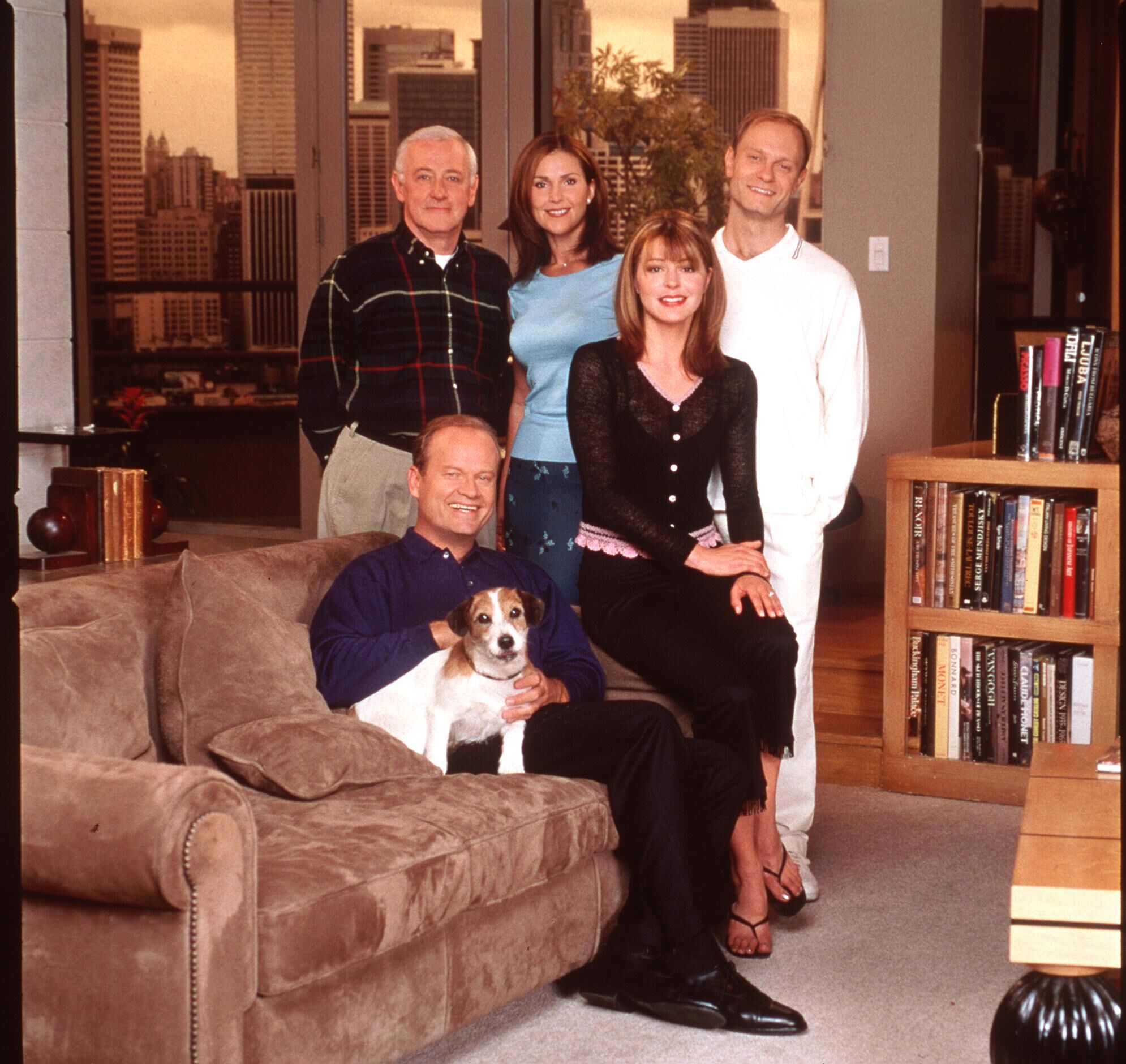 "Kelsey Grammer, Peri Gilpin, Jane Leeves, John Mahoney, and David Hyde Pierce stars in the NBC series ""Fraiser."" 