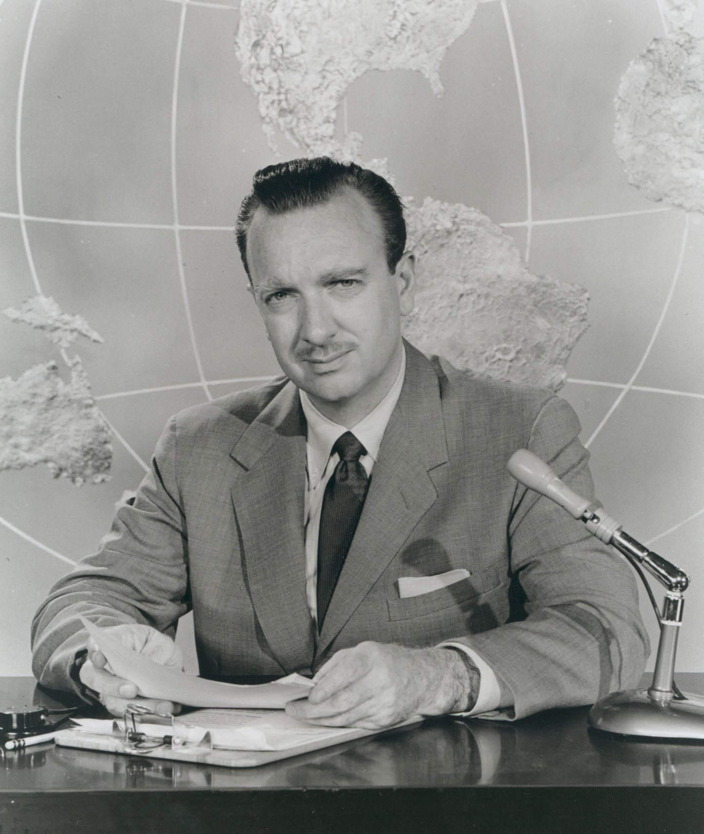 Portrait of Walter Cronkite circa 1954 | Source: Getty Images