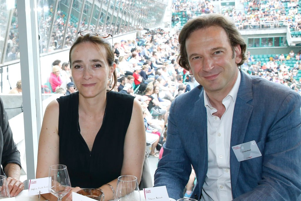 "Delphine Ernotte et le journaliste François Busnel assistent au déjeuner ""France Télévision"" lors de l'Open de France de tennis 2017. 