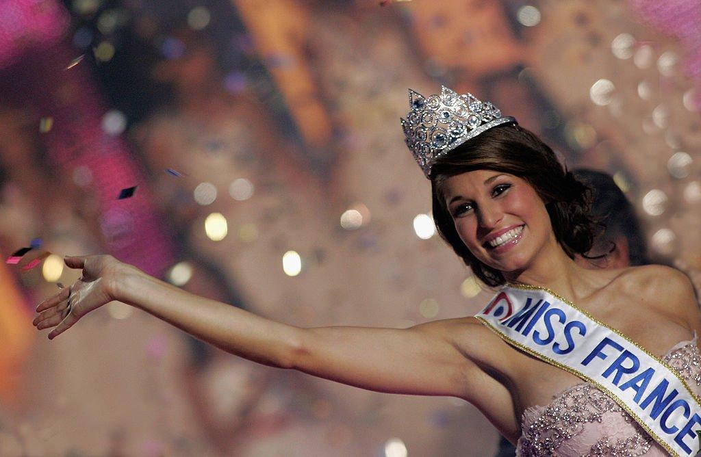 Laury Thilleman remportant le concours Miss France en 2011. l Source : Getty Images