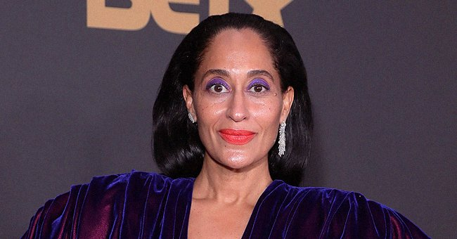 Tracee Ellis Ross Shows Her Beautiful Hands as She Flaunts Fit Abs in a Make-up-Free Selfie