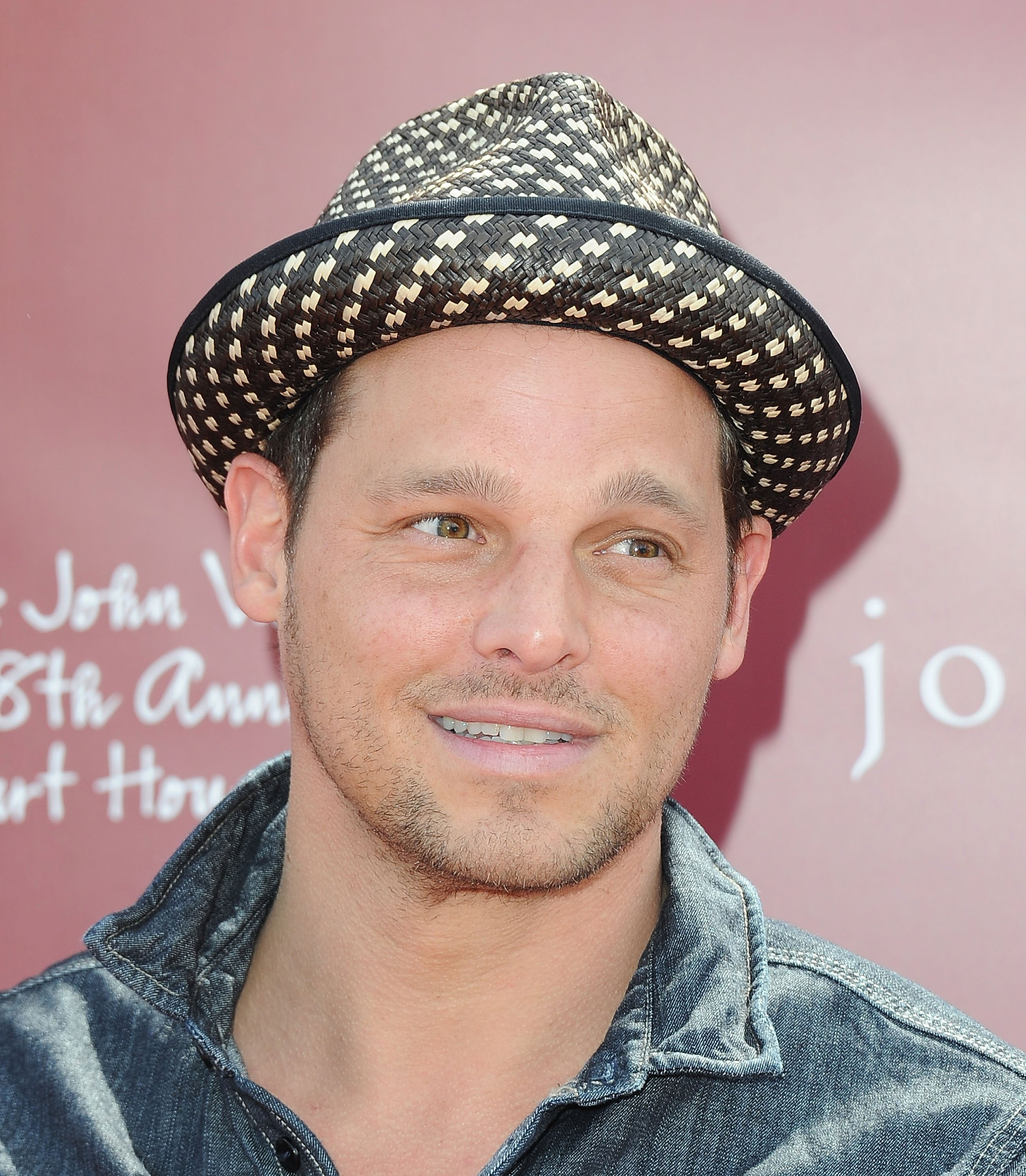Justin Chambers attends John Varvatos' 8th Annual Stuart House Benefit at the John Vavatos Store on March 13, 2011, in West Hollywood, California. | Source: Getty Images.