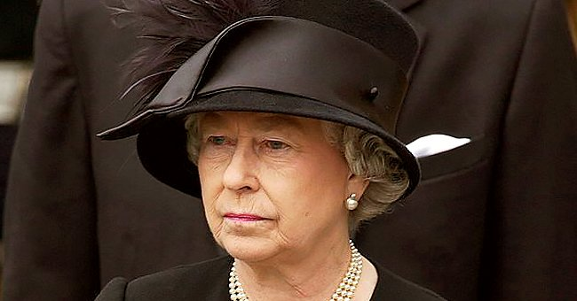 People: Queen Takes Things in Quietly & Hopes Everything Will Work Out in the End Amid Royal Rift
