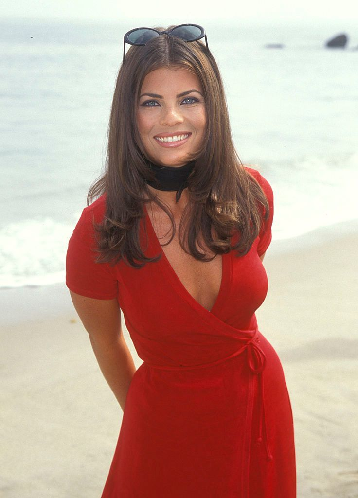 Yasmine Bleeth at the premiere of 'Clueless' in Malibu in 1995   Source: Getty Images
