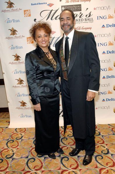 Daphne Reid with Husband Actor Tim Reid at the 24th Atlanta Mayor's Masked Ball to Benefit the United Negro College Fund in Atlanta, Georgia | Photo: Getty Images