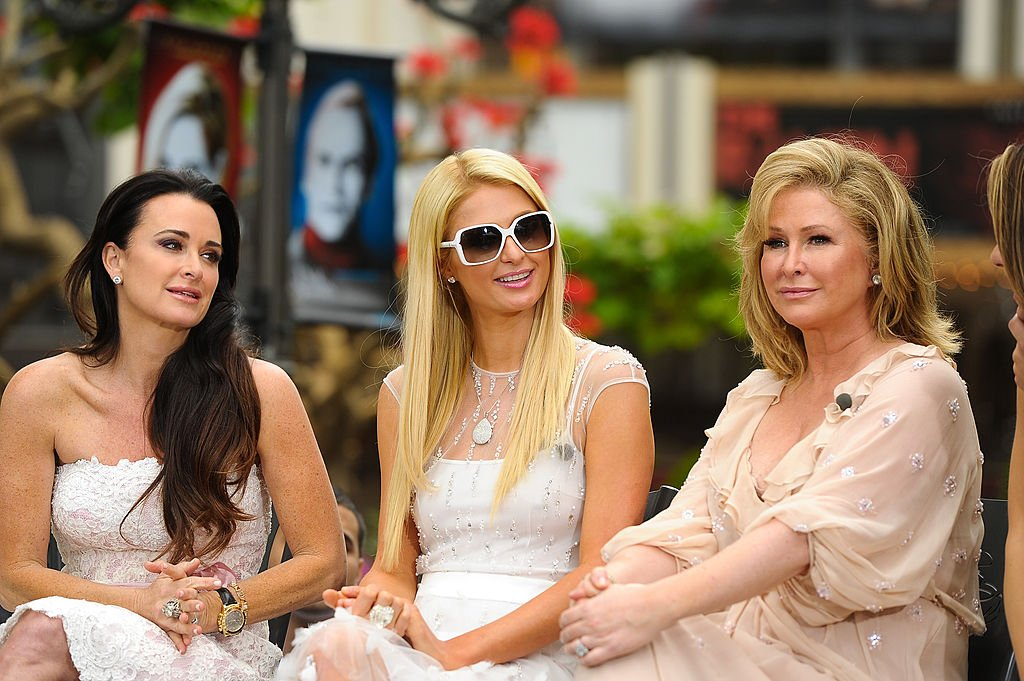 """Kyle Richards, Paris Hilton and Kathy Hilton visited """"Extra"""" at The Grove on May 2, 2012 in Los Angeles, California   Photo: Getty Images"""