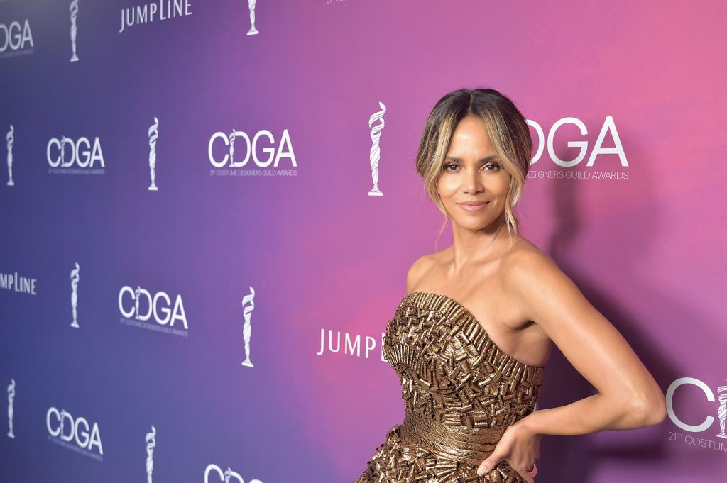 Halle Berry at the 21st CDGA (Costume Designers Guild Awards) at The Beverly Hilton Hotel on February 19, 2019 | Photo: Getty Images
