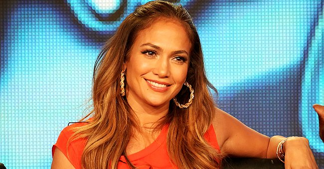 Watch Jennifer Lopez Teach Her Daughter & Alex Rodriguez's Daughters about Skin Care in a Video