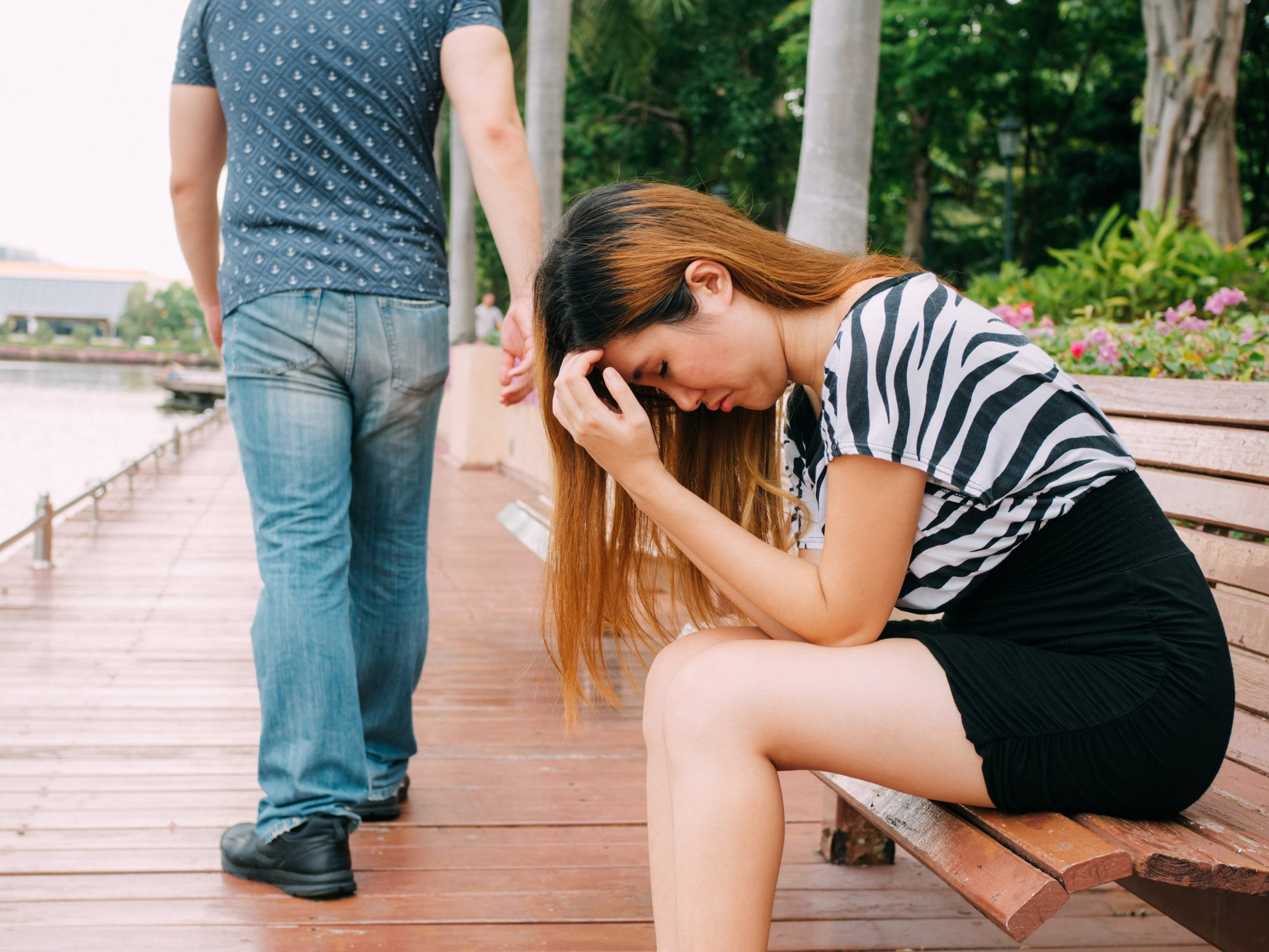 Boyfriend parts ways with his girlfriend, who is left alone to figure out what went wrong in their relationship   Photo: Getty Images