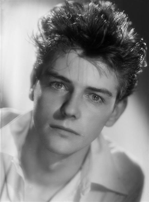La photo de Jean-Pierre Mocky en 1948 | Source: Wikipedia
