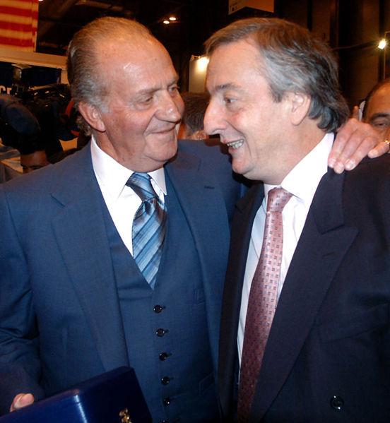 El rey Juan Carlos de España y Néstor Kirchner, enero 2004 . | Imagen: Wikipedia