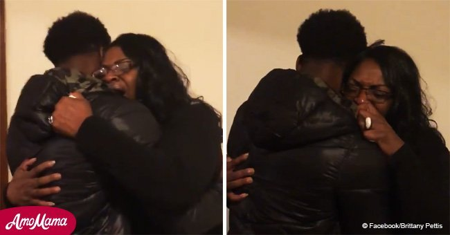 Mom can't hold back scream when she sees who returned to her home for Christmas