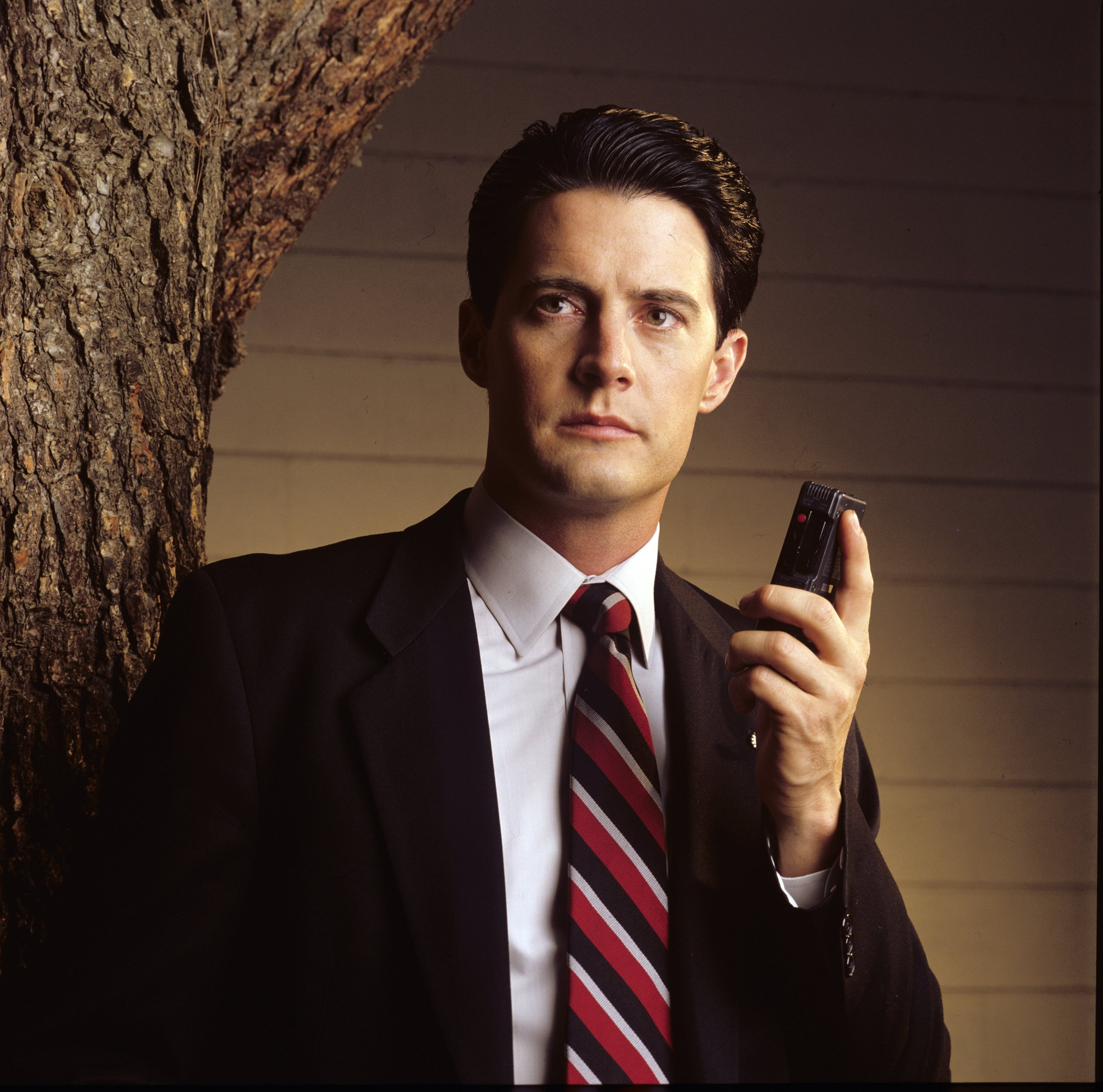 """Kyle MacLachlan poses during season two of """"Twin Peaks"""" on October 13 1990 