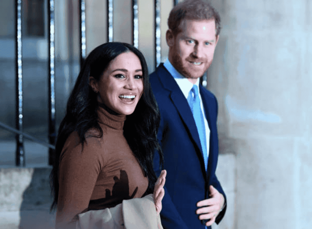 Prince Harry and Meghan Markle wave at crowds after a visit at Canada House, on January 7, 2020, in London, England | Source: DANIEL LEAL-OLIVAS - WPA Pool/Getty Images