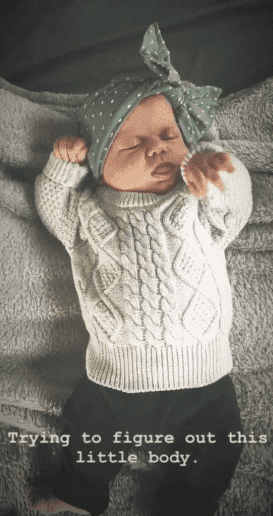 An image of Tori and Zack Roloff's new born daughter, Lilah taking a nap | Photo: Instagram/Tori Roloff