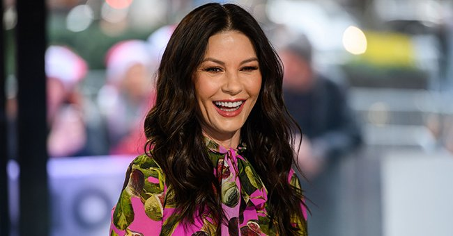 Catherine Zeta-Jones, 51, Puts Age-Defying Look in New Selfie as She Celebrates Christmas Eve