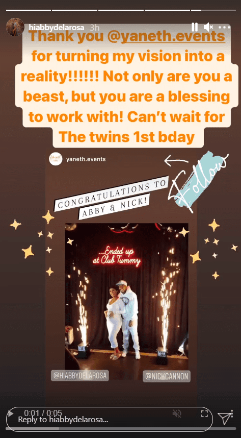 Abby De La Rosa shares a picture of her and Nick Cannon during her baby shower with a caption thanking the event planner | Photo: Instagram/hiabbydelarosa