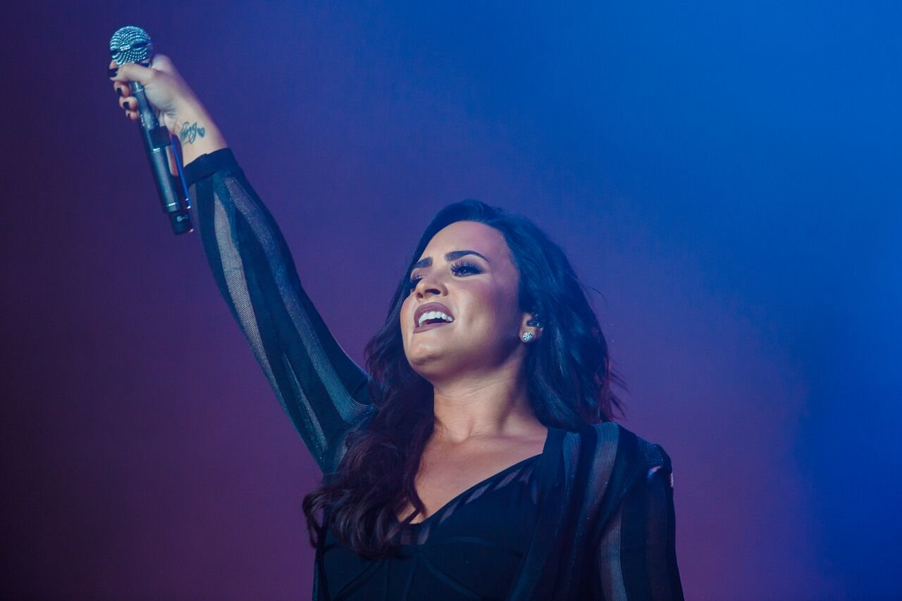 Demi Lovato performing in Brazil in December 2016. | Photo: Getty Images