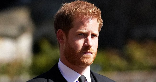 Twitter Users Express Compassion for Harry after Royal Expert Reveals Main Focus of His Memoir