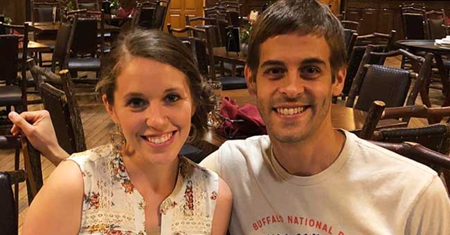 Jill Duggar Advises She Is 'Not Recommending' Kama Sutra after Posting a Photo of the Book