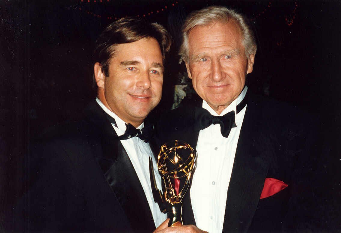 Lloyd Bridges and his son Beau at the 44th Emmy Awards, August 30, 1992 | Photo: Wikimedia Commons Images