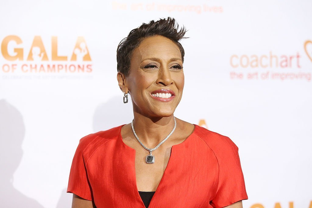 Robin Roberts arrives at the CoachArt Gala of Champions held at The Beverly Hilton Hotel | Photo: Getty Images