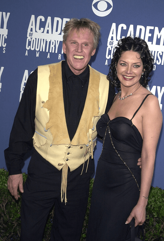 Gary Busey et son épouse Tiani Warden. | Photo : Getty Images