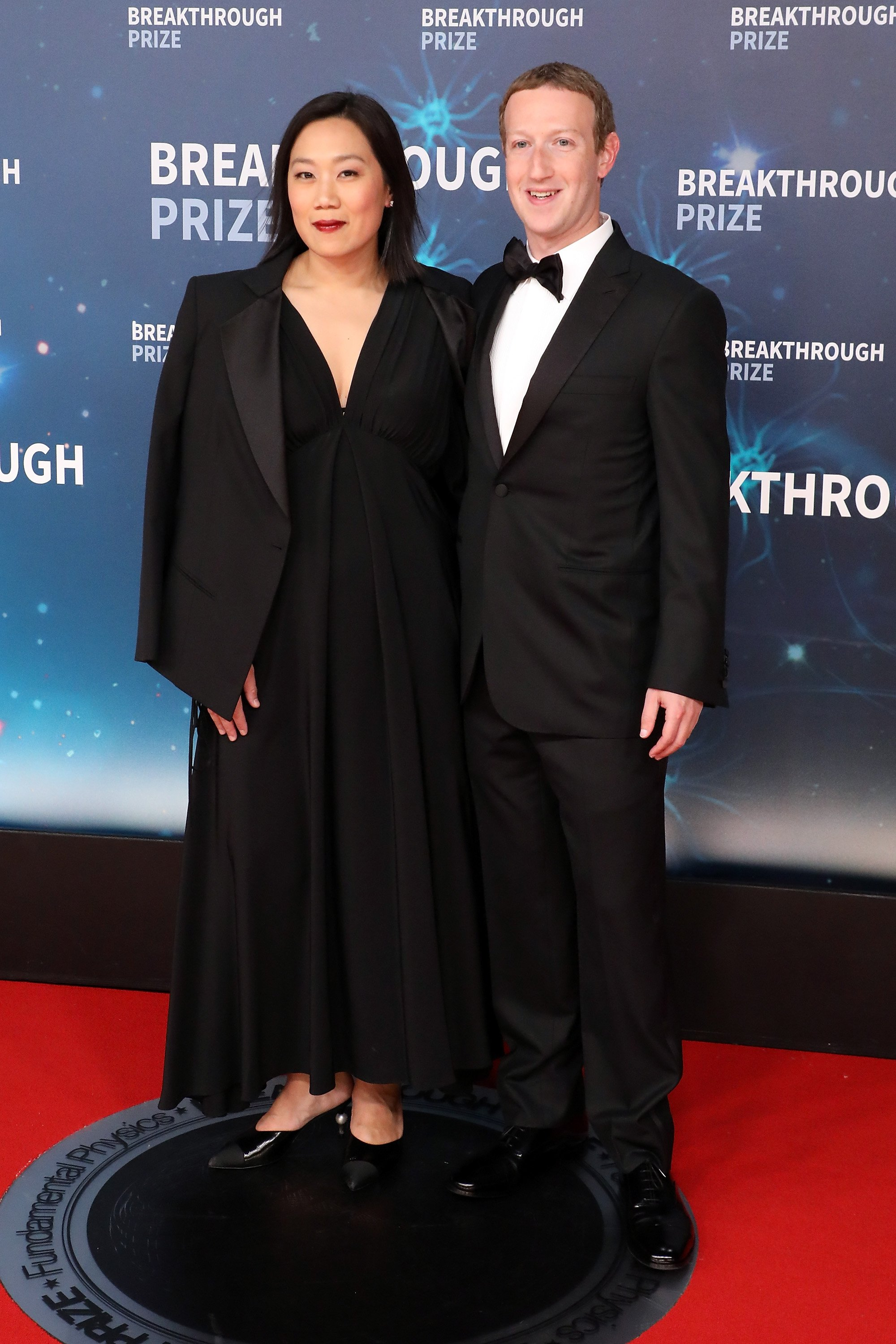 Priscilla Chan and Mark Zuckerberg attend the 2020 Breakthrough Prize Ceremony at NASA Ames Research Center on November 03, 2019 in Mountain View, California. | Photo: GettyImages