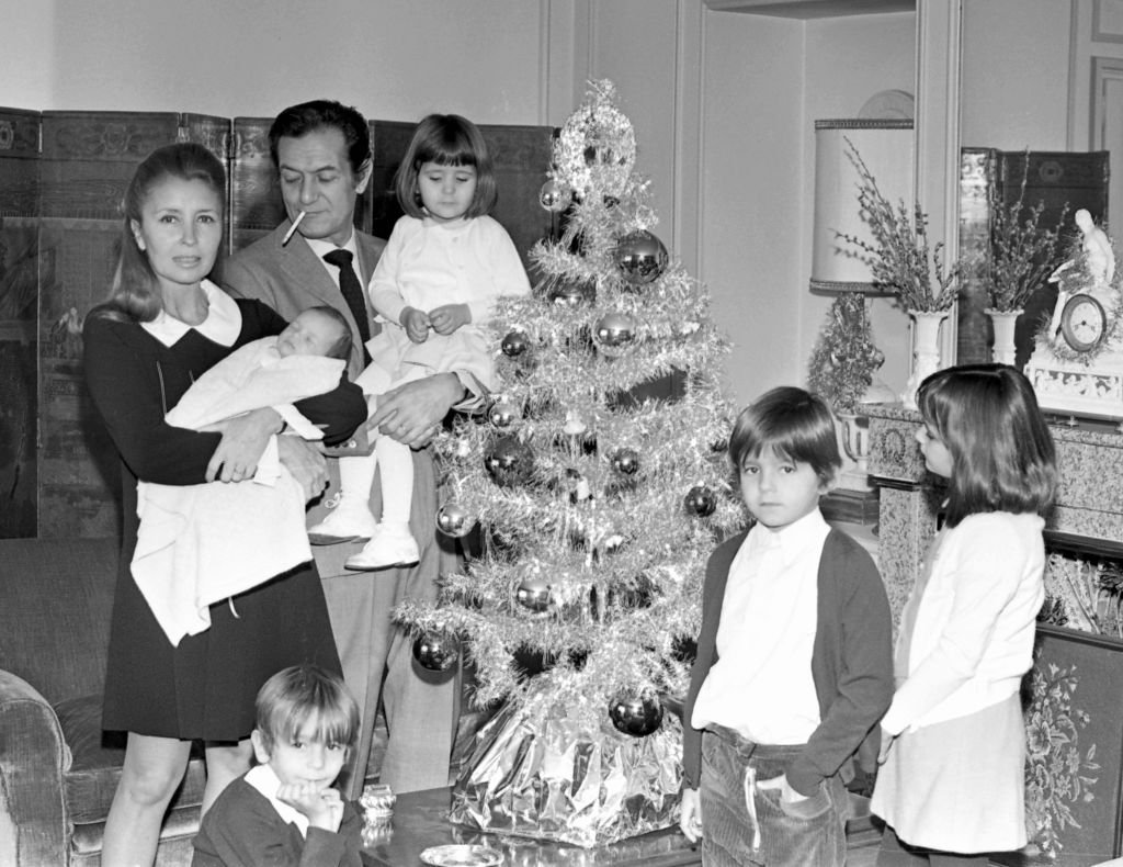 El actor español Alberto Closas y su familia, 1967, Madrid, España. | Foto: Getty Images