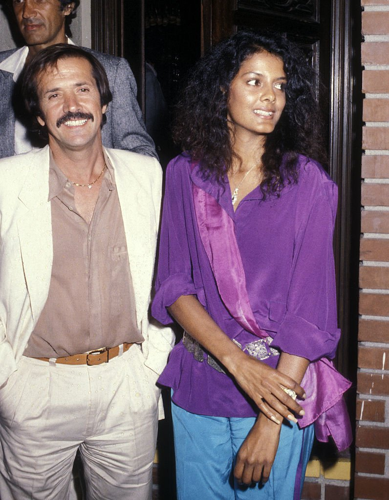 Sonny Bono and girlfriend Susie Coelho on October 3, 1979 dine at La Scala Restaurant in Beverly Hills | Photo: Getty Images