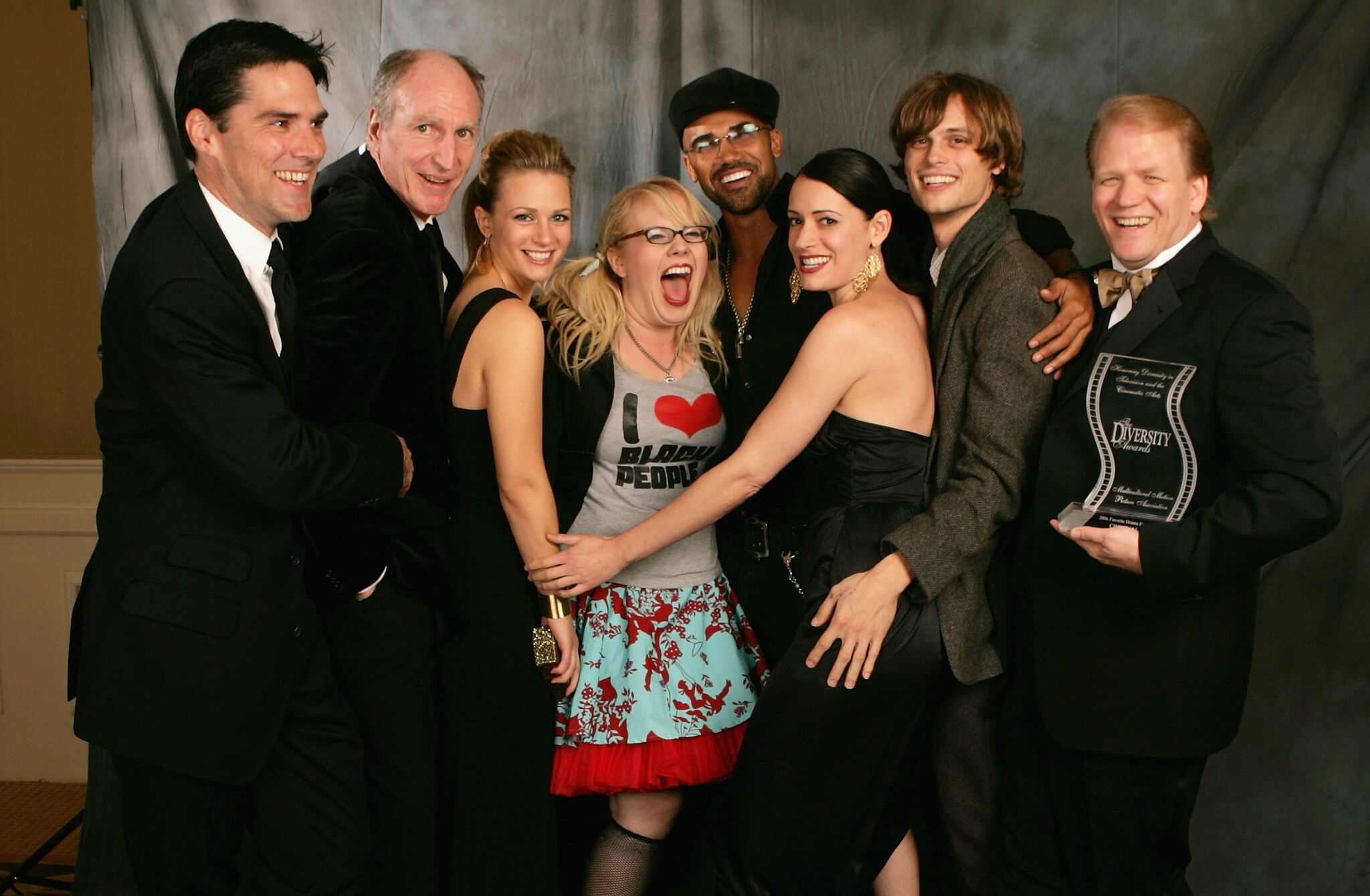"""""""Criminal Minds"""" actor Thomas Gibson, unknown actor, actress A.J. Cook, actress Kirsten Vangsness, actor Shemar Moore, actress Paget Brewster, actor Matthew Gray Gubler and Executive Producer Ed Bernero pose in the portrait studio during the 14th Annual Diversity Awards Gala 