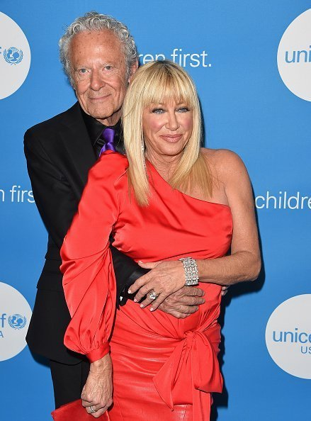 Actress Suzanne Somers and Alan Hamel attend the 7th Biennial UNICEF Ball at the Beverly Wilshire Four Seasons Hotel in Beverly Hills, California. | Photo: Getty Images