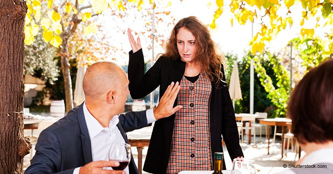 Mujer arremete con insultos contra gerente de restaurante por hablar en español