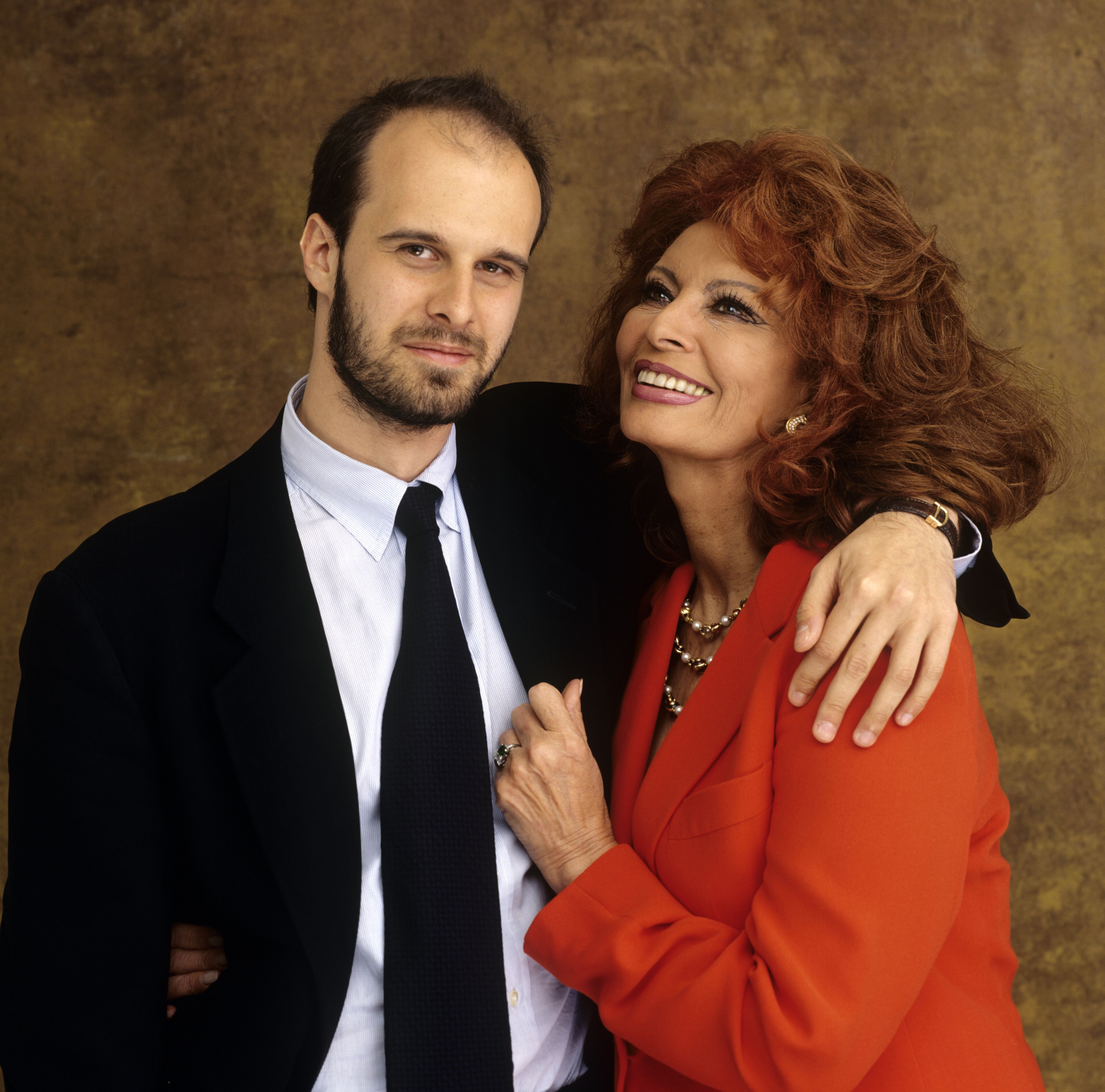 Sophia Loren and youngest son, Edoardo Ponti pose for a photo on May 30, 2001 in Toronto, Canada | Source: Getty Images
