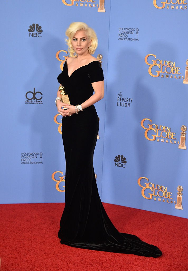 Lady Gaga during the 73rd Annual Golden Globe Awards at the Beverly Hilton Hotel on January 10, 2016 | Photo: Getty Images