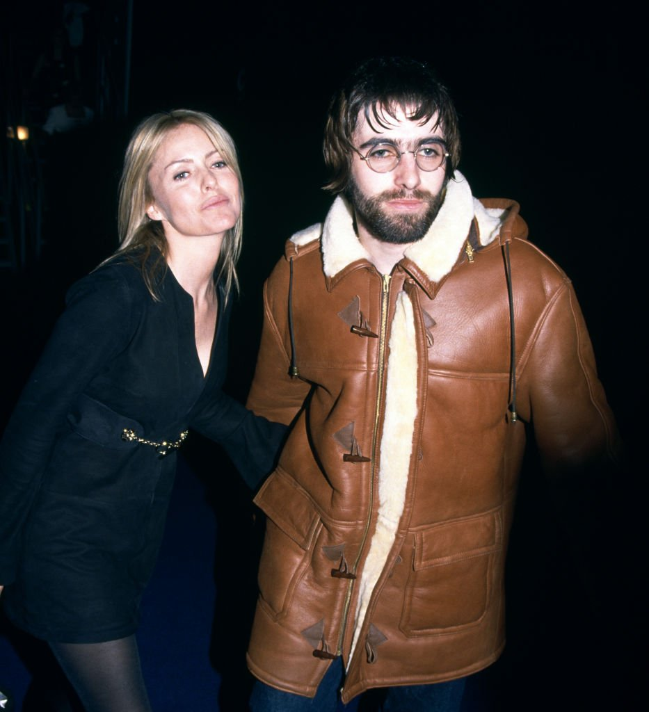 Liam Gallagher and Patsy Kensit at the Brit Awards at Earls Court Exhibition Centre in London, England on February 19, 1996 | Photo: Getty Images